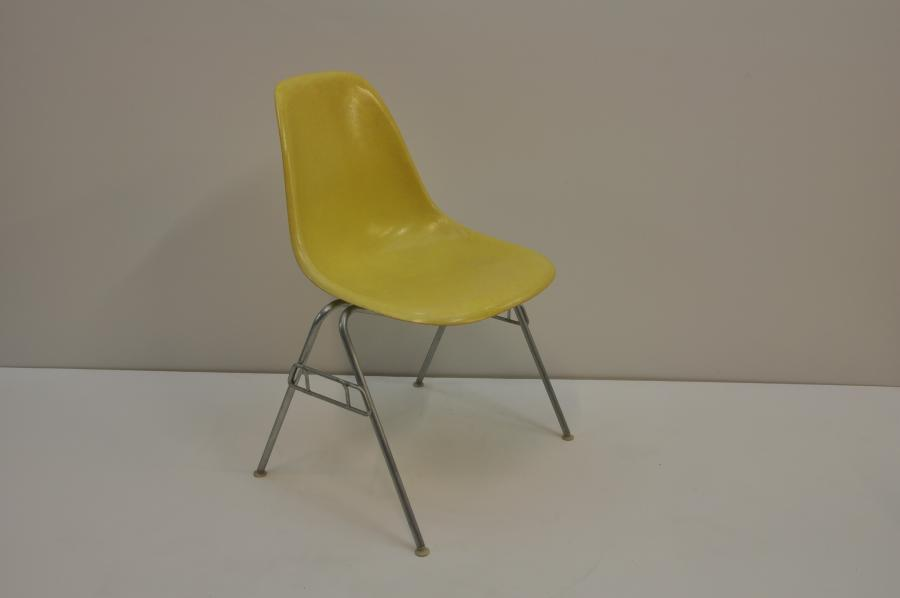 Eames Stacking Chair (model DSS)