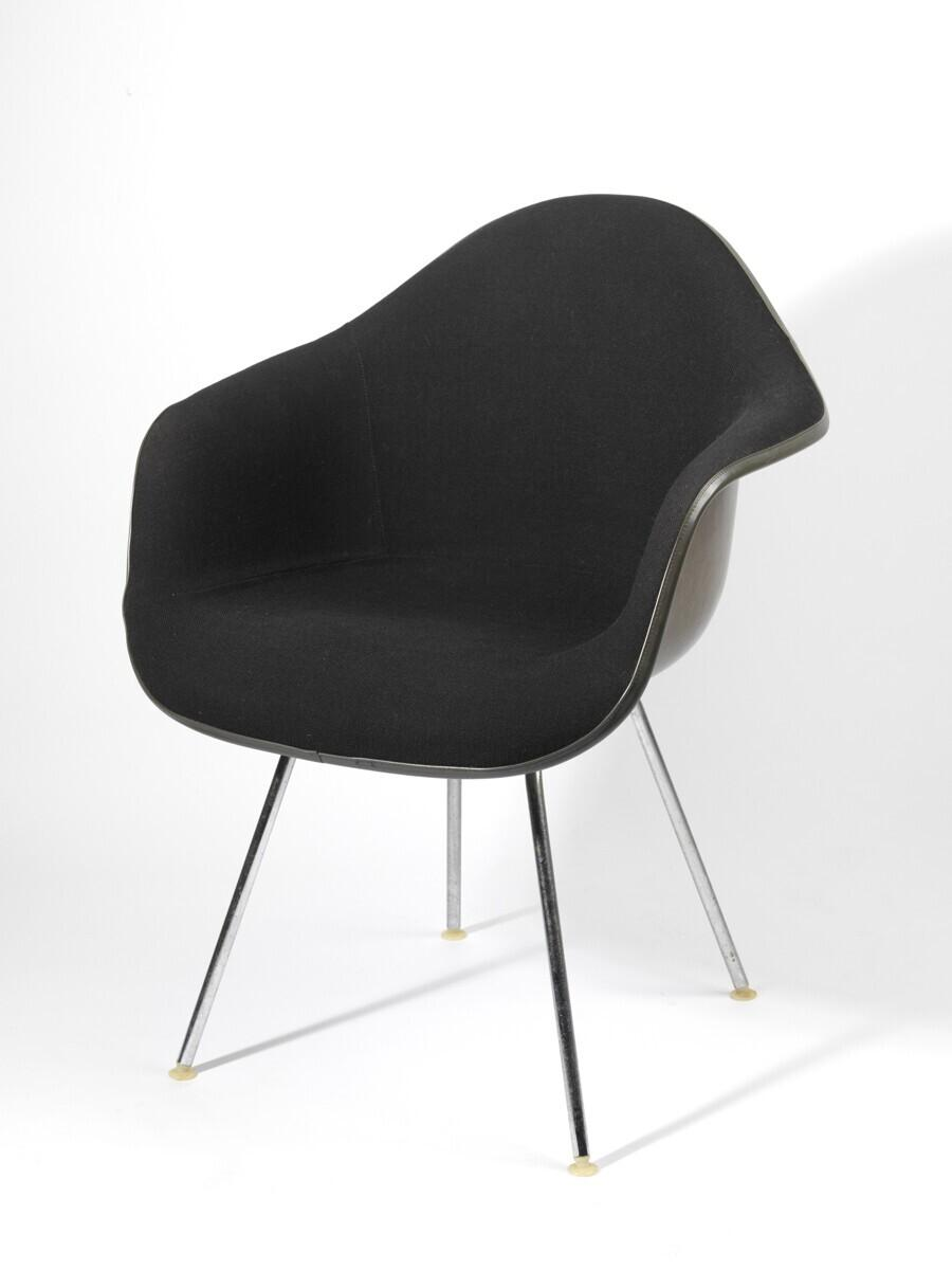 Plastic Armchair (model DAX)