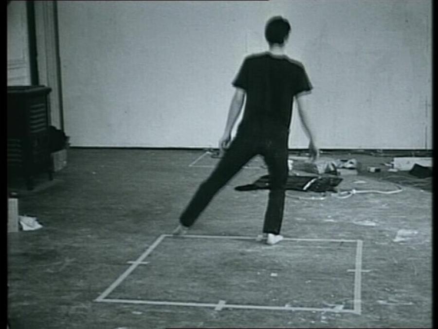 Dans of oefening op de contouren van een vierkant