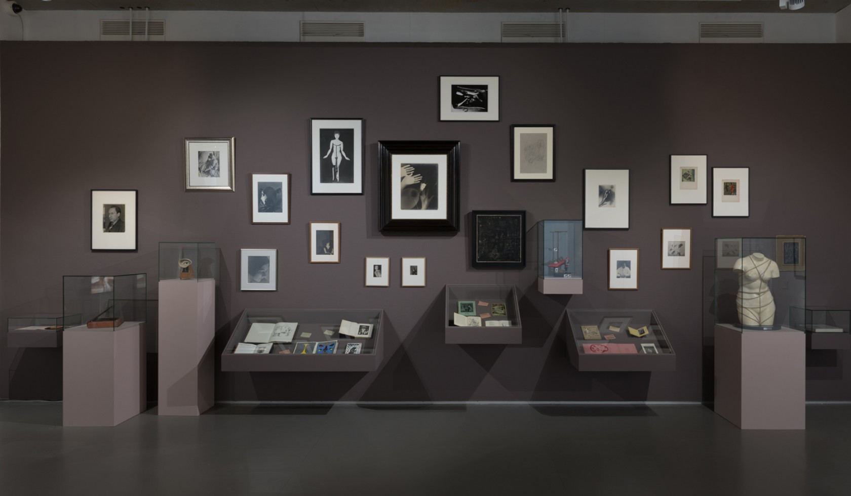 nucleus - a catalogue of works in the national collection on the inception of the National Gallery of Modern Art.
